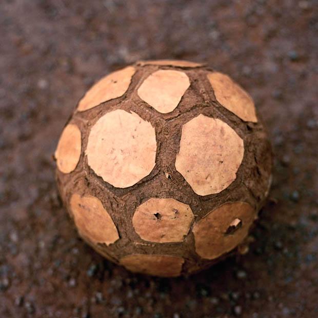 """Fotbalul """"mic"""": Petice și Idealuri (I)"""
