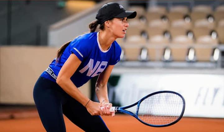 Sorana Cîrstea a avut noroc, la ultimul turneu de tenis din 2020. Victorie scurtă, prin abandonul adversarei, în primul tur de la Linz
