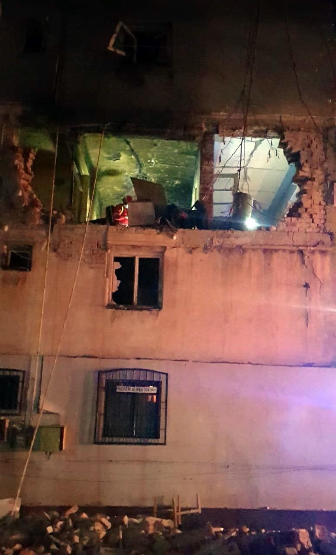 Găești- (VIDEO) Explozie puternică într-un bloc. Apartament distrus, imobil evacuat. Un bărbat a fost rănit