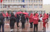 Protest SANITAS (și) la Târgoviște. Vor măriri de salariu (Foto)