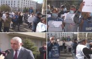 Aproximativ 100 de salariați COS Tâgoviște- protest sub