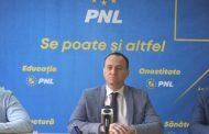 PNL Târgoviște- prima conferință de presă după alegerile din septembrie. Fără mască, spațiu închis, multă lume. De ce?