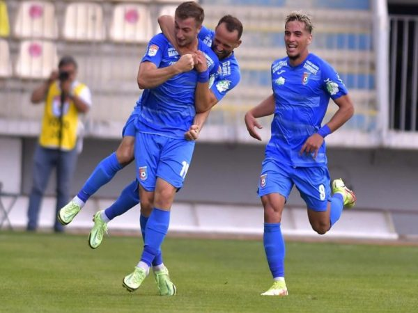 Liga I: Daniel Popa strică linia de clasament a echipei lui Hagi. Chindia-Farul 2-0 (1-0)